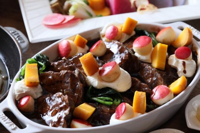 ▲牛頬肉の赤ワイン煮込み カマンベールのエスプーマ