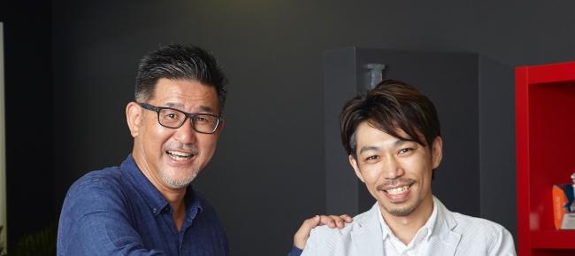 左)代表取締役 岡本幸憲  右)C.O.O. 近藤寛一