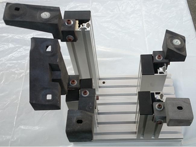 協業を進める群栄化学工業社の3Dプリント材料「CB50」は、 トヨタ車両を中心に自動車業界で検査治具として広く普及が進んでいる。