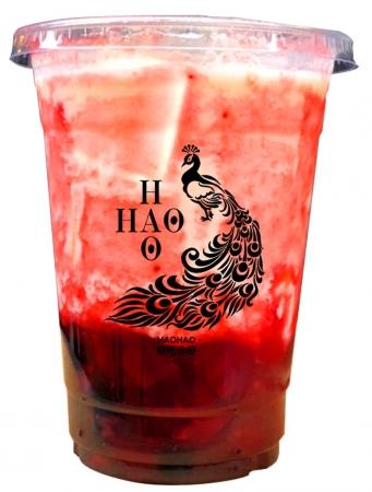 【黒糖いちごラテ】生イチゴを使用したフレッシュな一杯。甘酸っぱいイチゴと黒糖が合わさった 果汁感たっぷりです。¥650