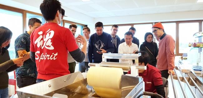オランダ拠点での製麺講習