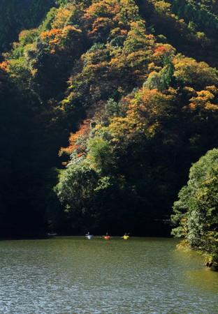 竜神ダムの秋
