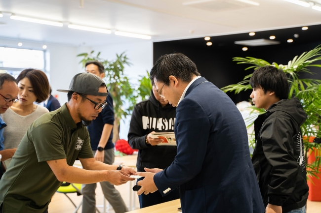 「スマート農業サミット in 宮崎」に来場された農家からは応援と購入希望が多数