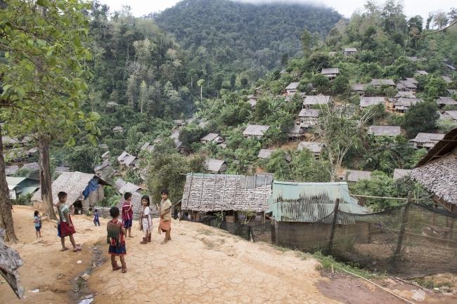 タイ国境ミャンマー(ビルマ)難民キャンプ