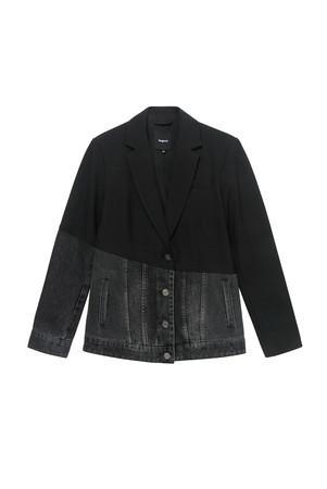 ジャケット ¥31,900(税込)