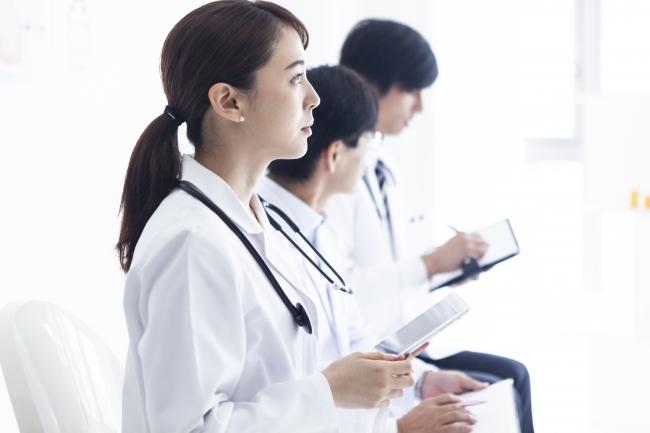 医療従事者、患者、双方のQOLを上げ、安心して手術に臨める社会に。