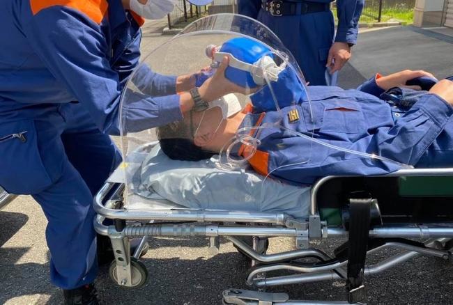救急現場のニーズに即したエアロゾルボックス開発の為、弊社代表高山が八潮消防署を訪問致しました。