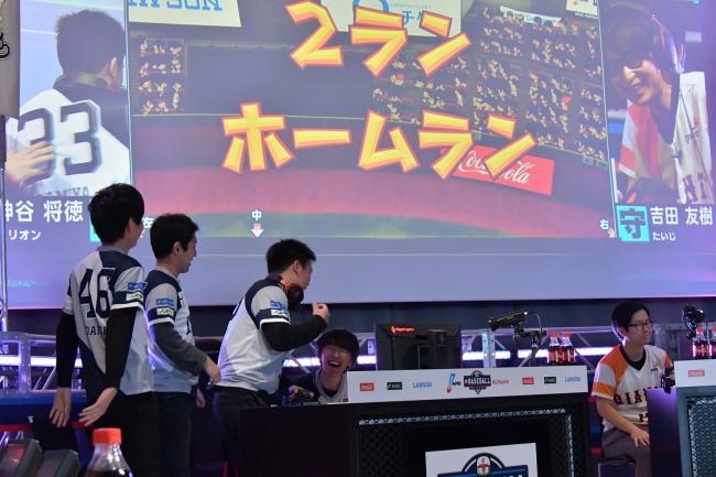 1日目:第1試合:西武(神谷将徳) × 巨人(吉田友樹) (C)Nippon Professional Baseball (C)Konami Digital Entertainment