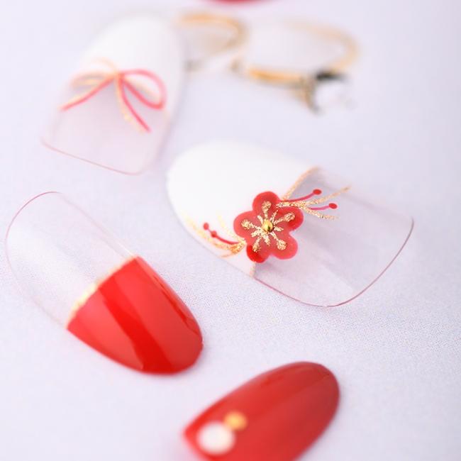 紅白のフレンチが二人を祝福する和装ブライダルネイル。10,900円(税別)