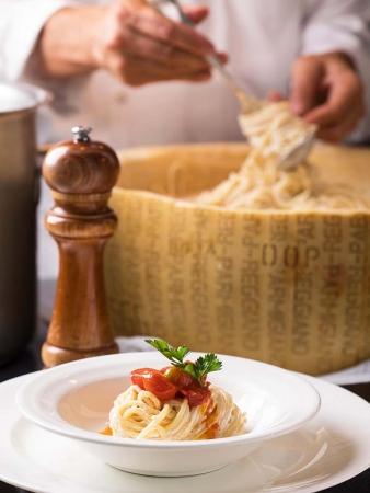 「蔵王クリームチーズとパルミジャーノレッジャーノで和えるパスタ」イメージ