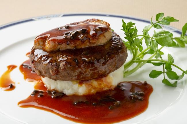 ビーフハンバーグステーキのロッシーニ風 アリゴ添え
