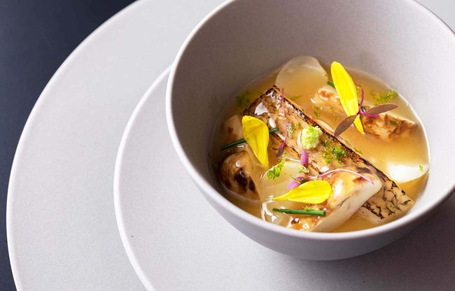 「ノドグロと松茸のロワイヤルスープ 柚子の薫り」イメージ