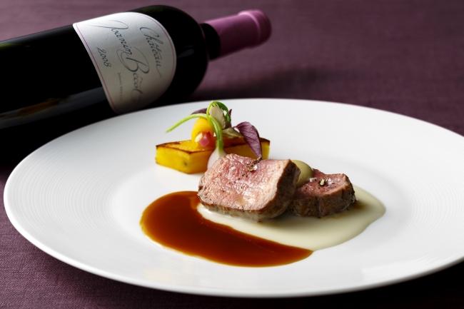 肉料理と赤ワイン