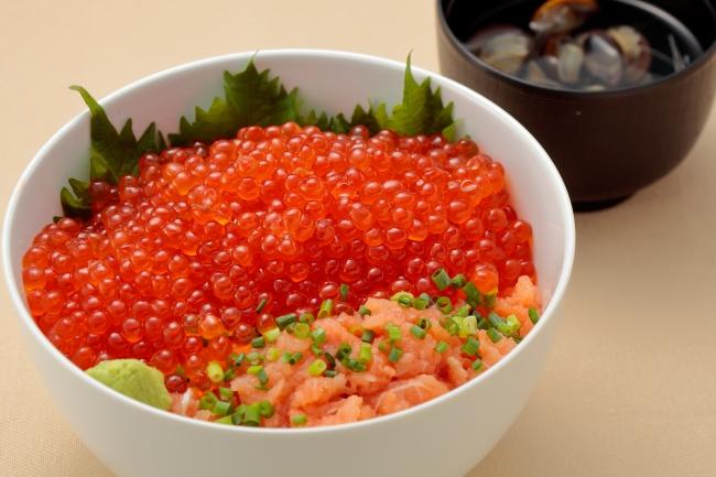 【ランチ】~1日10食限定~ 鮭イクラ丼:お1人さま 3,500円