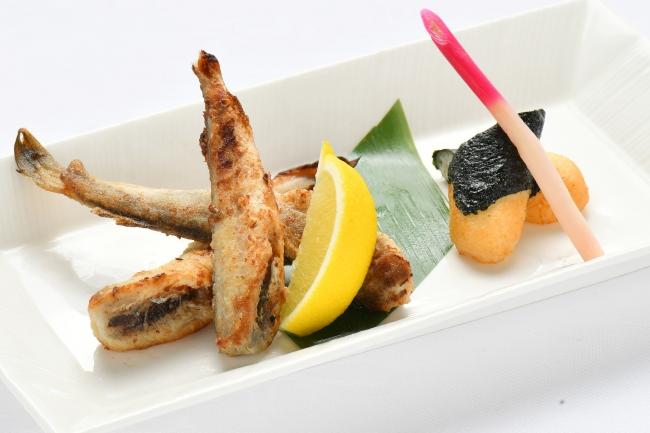 北海道産氷下魚(こまい)のバター焼き 900円