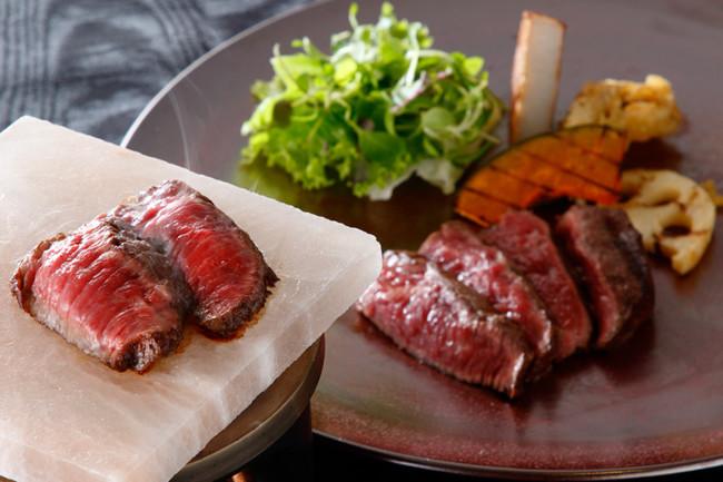 博多和牛ウデ肉の岩塩プレート焼き