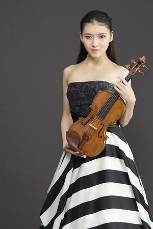 服部 百音(ヴァイオリン)(C)Chihoko Ishii