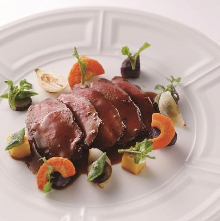 <ピトレスク>猪・土の野菜・ネズの実
