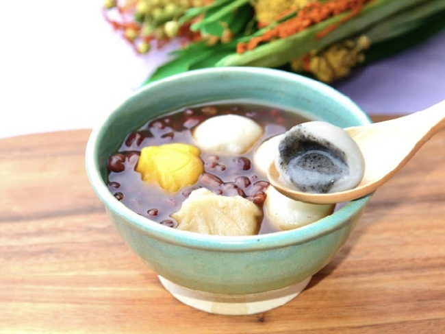 台湾式おしるこ 紅豆湯圓(ホンドウタンユェン)