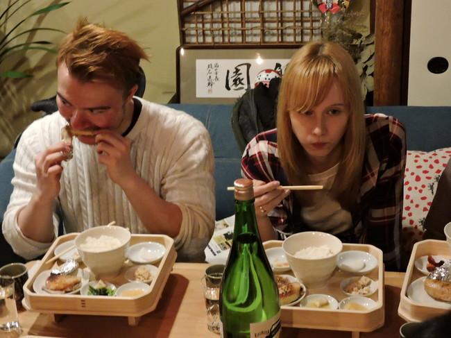 外国人モニターツアーで提供された饗応食の膳