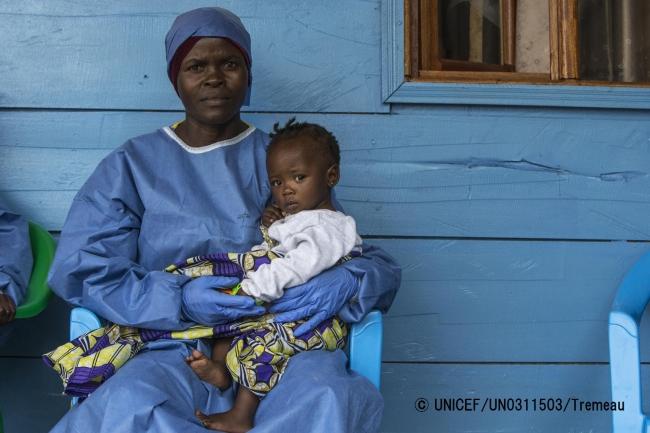 両親が、エボラの治療を受けているため、ブテンボにある子どもケアセンターで一時的に保護されている子ども。(2019年8月2日撮影)