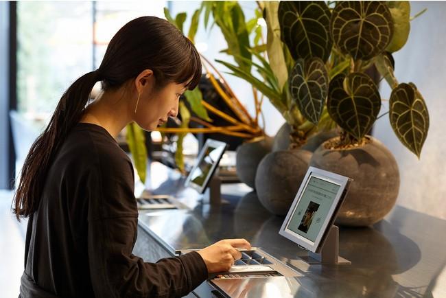 顔認証システムによる非対面セルフチェックイン