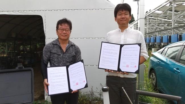 大野町内会 君塚会長(左)と弊社代表馬上