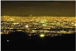 芦有ドライブウェイ「東六甲展望台」から望む夜景 大阪平野から大阪湾・神戸港までを一望できる 大パノラマが展開します