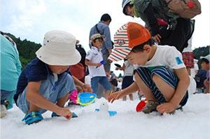 六甲山カンツリーハウス 「真夏の雪まつり」