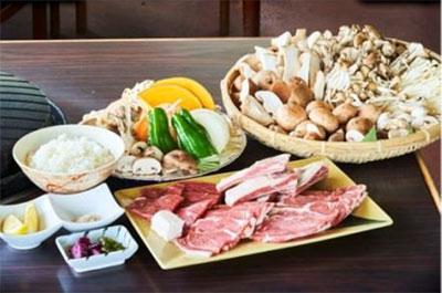 たっぷりきのこや秋野菜とラム肉食べ放題コース