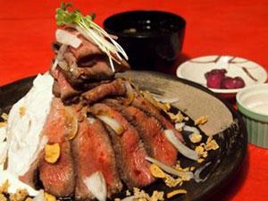 六甲山 山盛りローストビーフ丼