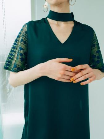 【3月下旬発売予定】 Lace Sleeve Choker Hem Tops ¥13,800+tax