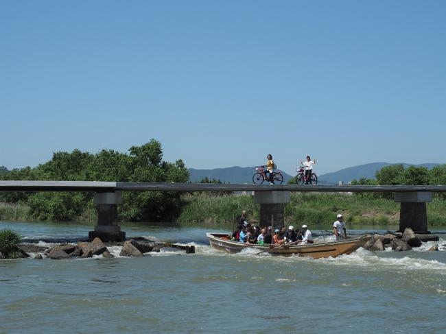 亀岡市を流れる保津川