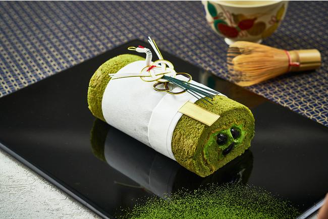 お正月三が日限定販売の「抹茶黒豆ロールケーキ」