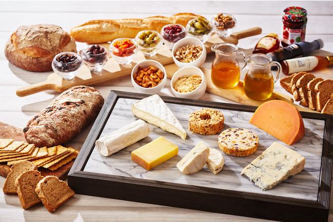日替わりで6種類のチーズが並ぶチーズコーナー