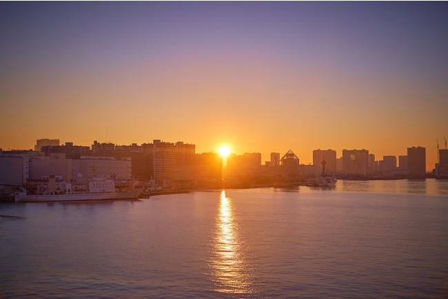 テラスから望む東京湾のご来光(イメージ)