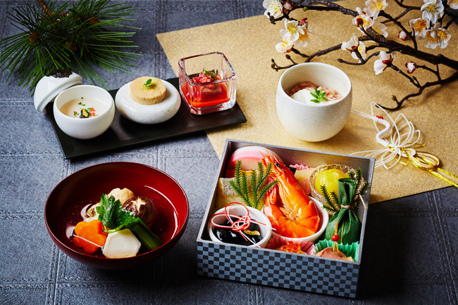元旦の朝食は東京湾を一望する会場で、ホテル特製おせちを味わえる