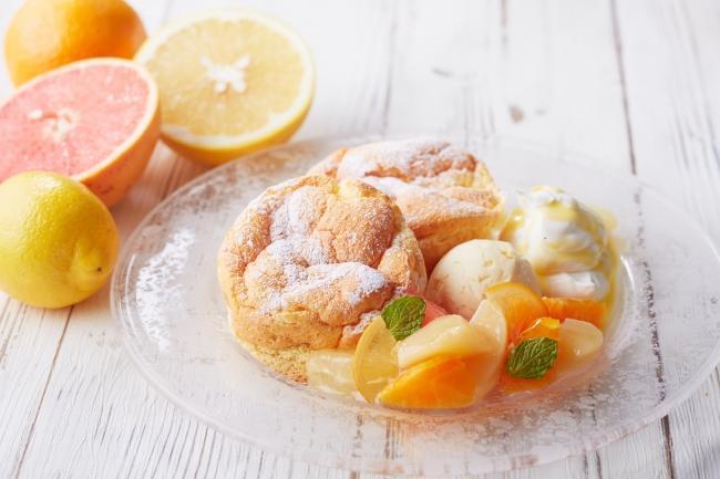 柑橘系のフルーツたっぷりの「シトラス スフレ パンケーキ」