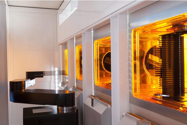 VIISta(R) 900 3Dホットイオンインプラント装置は、150mmと200mmのSiCウェーハにイオン注入し、室温でのイオン注入に比べて抵抗を40分の1以下に減らすことができる