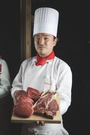 料理長 山崎 学シェフ