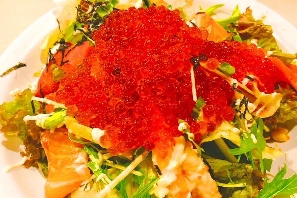 イクラ&海鮮サラダ