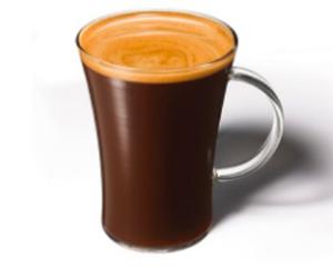 「オリジナルブレンドコーヒー」 同ブランド定番。 ゆっくりと丁寧にローストされた豆から抽出したエスプレッソが生み出す、ナッツのような香ばしさとほろ苦さが楽しめるブラックコーヒー。