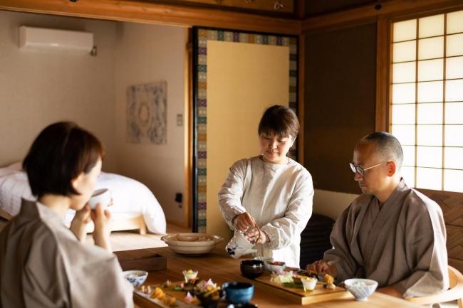 「NIPPONIA美濃商家町」では各客室で朝食を楽しむことができる。