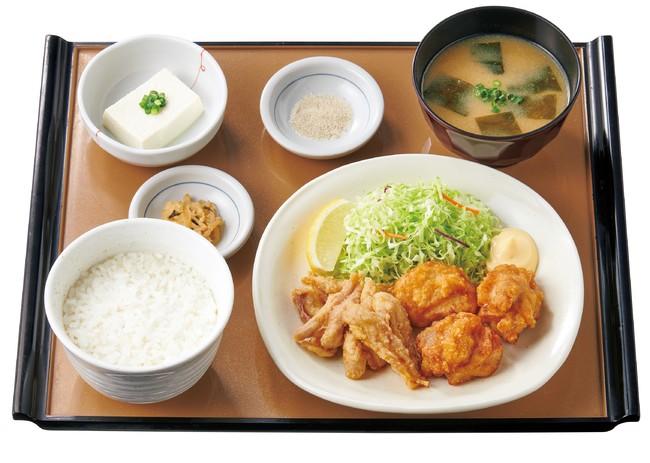 せせりと鶏もものから揚げ定食[せせり6個・鶏もも3個] 790円(税込)