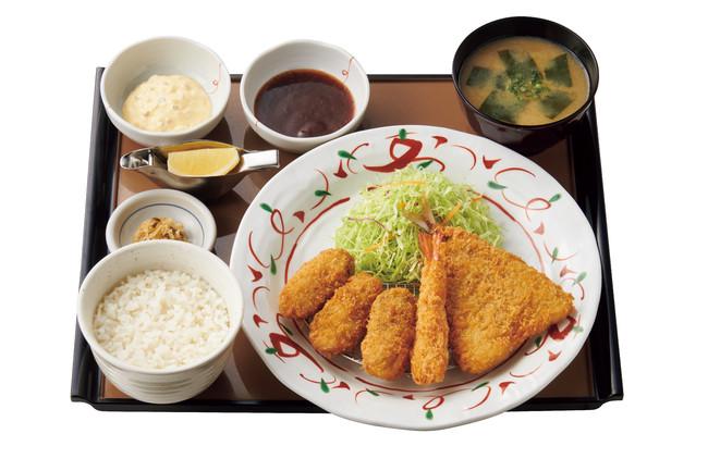 かきフライミックス定食 890円(税込)