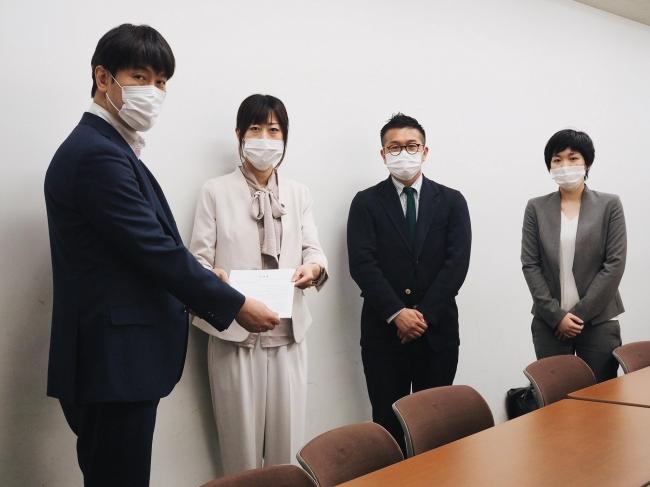 厚生労働省 日下英司 課長  MFAJ 時枝穂、松中権理事、服部咲弁護士