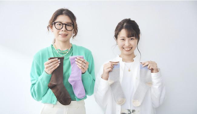 スタイリングを担当したDROBEスタイリストのAiko(左)とSaki(右)