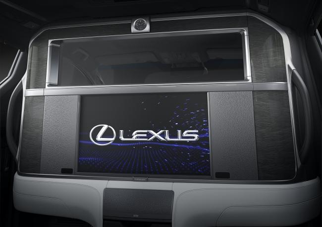 車室内のパーティション ON状態 (写真提供:Lexus International)
