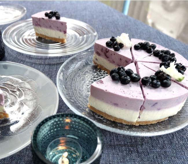 フィンランドスタッフが作る自家製ケーキも