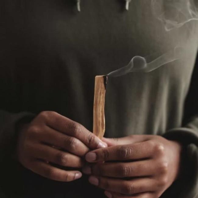 豊潤な香りが特徴 「神秘の香木」による天然のアロマ
